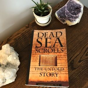 2 for 10$ Book - Dead Sea Scrolls the Untold Story
